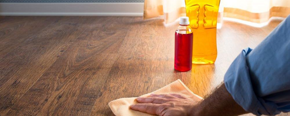 4 popular wooden floor cleaners for intensive cleaning