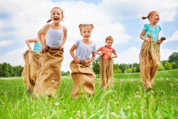 7 Popular Outdoor Games To Increase The Fun Quotient Of A Party