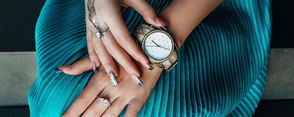 7 popular women's watches that are a must try