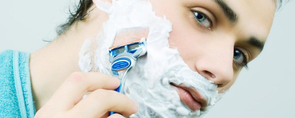 Let the morning ritual get comfortable with the best razors for men