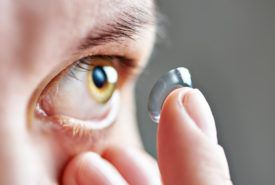 Tips to choose the right type of contact lenses