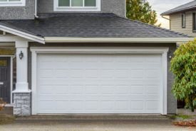 Vinyl and wooden garage door choices for modern houses